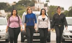 As motoristas que atendem pelo aplicativo Uber descobriram na atividade uma fonte de renda e agem em grupo para se prevenir dos riscos Foto: Bárbara Lopes / Agência O Globo