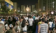 Público lota a Orla Conde, no Centro da cidade Foto: Leo Martins / Agência O Globo
