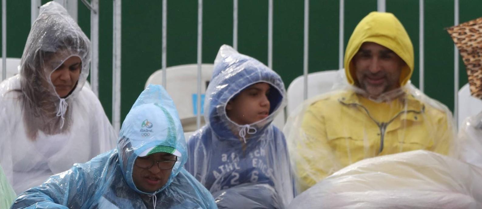 Apesar da operação da Fundação Cacique Cobra Coral os jogos do Rio tem registrado mau tempo, com provas tendo que ser adiadas Foto: Jorge William / Agência O Globo