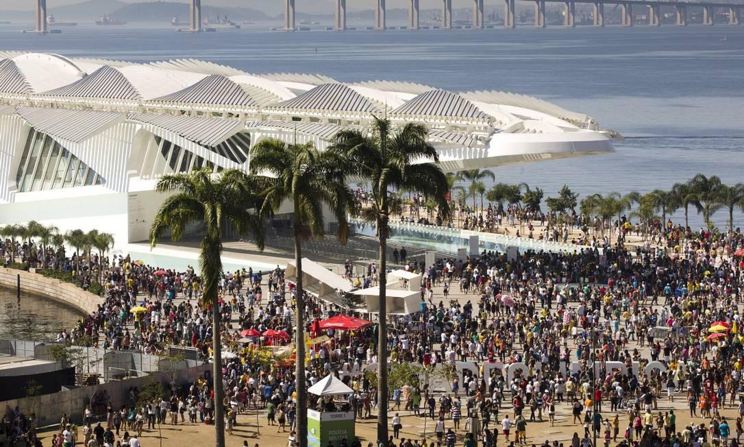 Boulevard Olímpico lotado durante os Jogos Olímpicos Foto: Monica Imbuzeiro - 04/08/2016 / Agência O Globo
