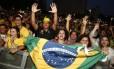 Público comemora vitória do Brasil