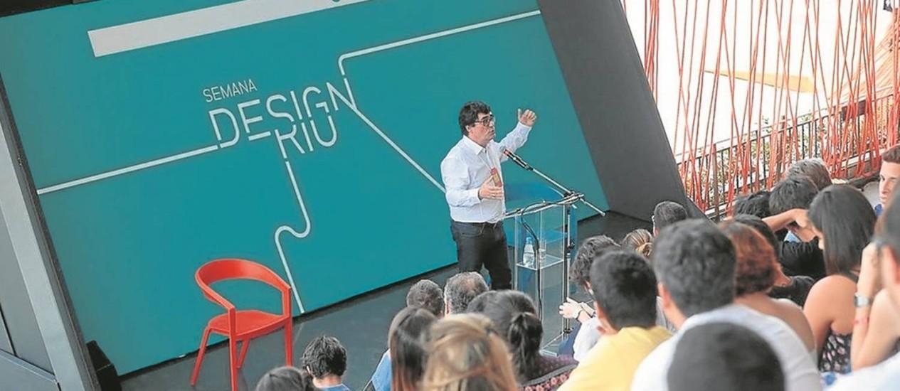 Palestra de Manoel Muller em edição anterior: público interessado em tendências Foto: Marco Sobral / Agência O Globo