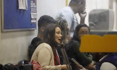 Americana foi levada para a delegacia, depois de ser resgatada Foto: Pedro Teixeira / Agência O Globo