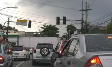 Sinais de trânsito da Rua Arquias Cordeiro, no Méier, estão apagados Foto: Ediane Merola