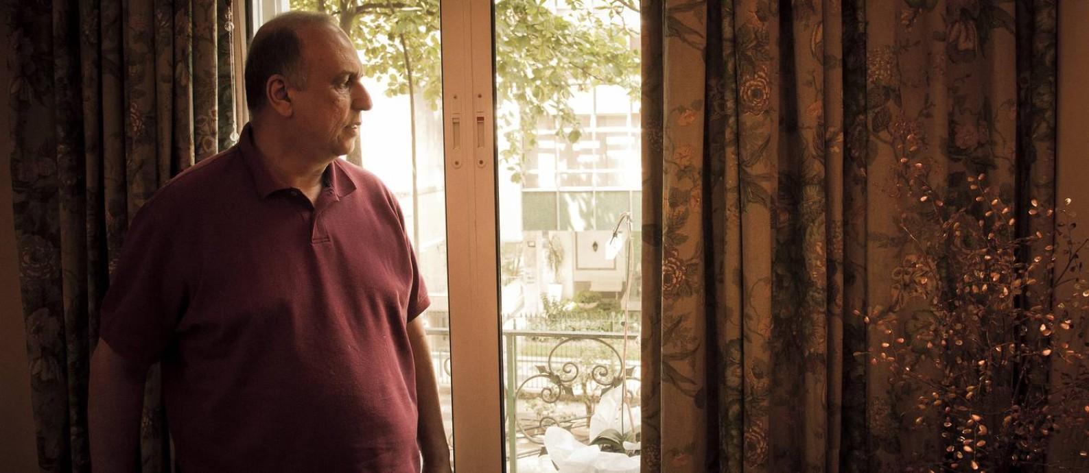 Pezão em seu apartamento no Leblon Foto: Gustavo Miranda