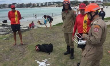 Drone auxilia as buscas pelo corpo da menina em Cabo Frio Foto: Cléber Júnior / Extra / Agência O Globo