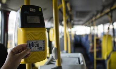 Validador do Bilhete Único Foto: Fernando Lemos / Agência O Globo