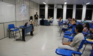 Pesquisadores reunidos na UFF: eles estudam o fenômeno dos memes Foto: Museu dos Memes