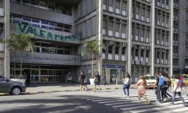 RI Rio de Janeiro (RJ) 29/03/2017 - UERJ se prepara para possivel volta as aulas amanha. Foto: Leo Martins / Agencia O Globo Foto: Agência O Globo