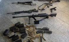 Armas encontradas com os traficantes do Chapadão, depois de ação policial que prendeu Fu e Claudinho da Mineira Foto: Divulgação/Bope