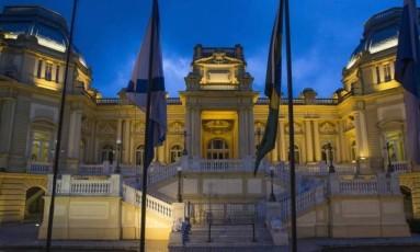 A fachada do Palácio Guanabara, sede do governo do Rio Foto: Alexandre Cassiano / Agência O Globo