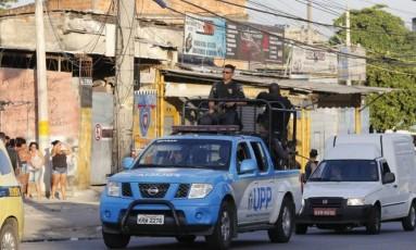 Um dos acessos ao Complexo do Alemão Foto: Domingos Peixoto / Agência O Globo