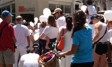 Moradores de Niterói protestam contra morte de mulher Foto: Luciene Varela