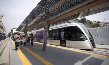 A previsão é que cerca de 20 mil novos passageiros embarquem por dia na Estação Central, elevando em 40% o movimento das Linhas 1 e 2 Foto: Márcia Foletto / Agência O Globo
