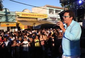 Marquinhos de Oswaldo Cruz canta durante o evento Foto: Custódio Coimbra / Agência O Globo