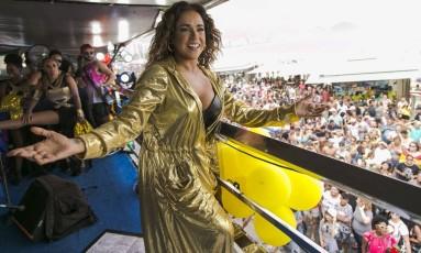 Daniela Mercury se apresenta na Parada Gay na praia de Copacabana. Foto: Leo Martins / Agência O Globo