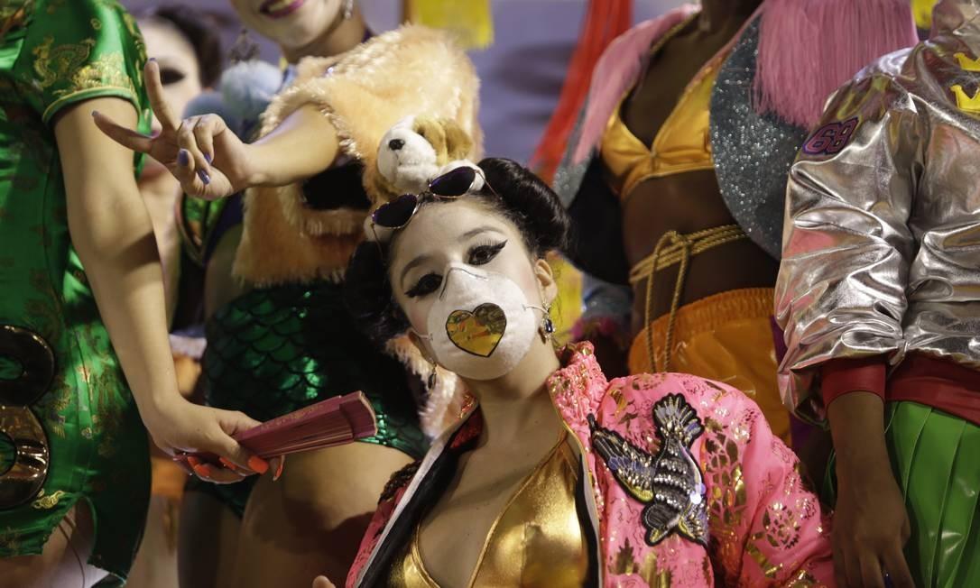 """""""O Império do Samba na Rota da China"""" é o enredo da escola, que mostra aspectos da cultura do país Foto: Gabriel de Paiva / Agência O Globo"""