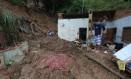 Casa do menino de 7 anos que foi atingida por uma barreira no distrito da Posse Foto: Fabiano Rocha / Fabiano Rocha