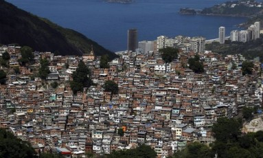 Vista aérea da Favela da Rocinha Foto: Custódio Coimbra / Agência O Globo