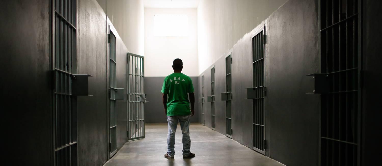 Presos provisórios na Penitenciária Bandeira Estampa, no Complexo de Gericinó Foto: Pablo Jacob- Arquivo 2015 / Agência O Globo