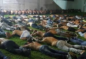 No dia 7 de abril, 159 homens foram detidos em um show de pagode, em Santa Cruz Foto: Divulgação / Polícia Civil