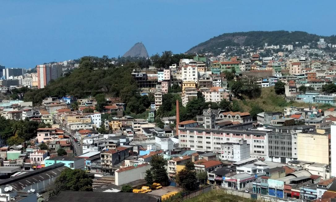 Região da Gamboa, próxima à Zona Portuária, é uma das mais afetadas por ocupações irregulares Foto: Lucas Tavares / Agência O Globo