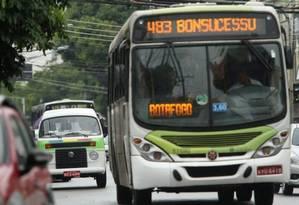 Fetranspor é formada por dez sindicatos de empresas de ônibus, que respondem por 80% do transporte público no estado Foto: Fabiano Rocha / Agência O Globo