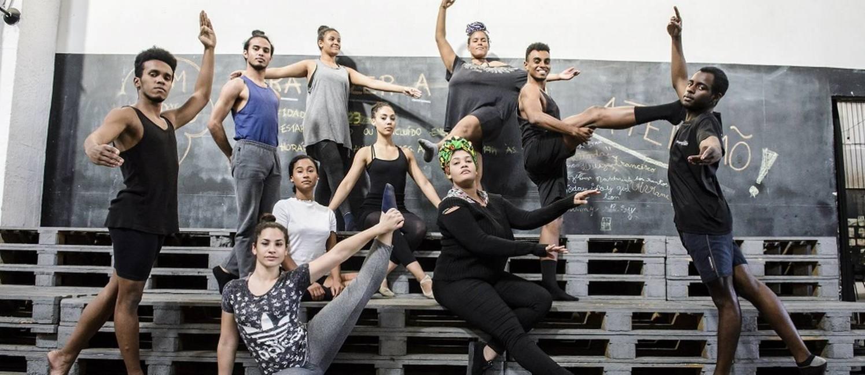 Resistência. A Redes da Maré usa a arte e a cultura como ferramentas para fortalecer os jovens da região Foto: Fabio Cordeiro / Agência O Globo