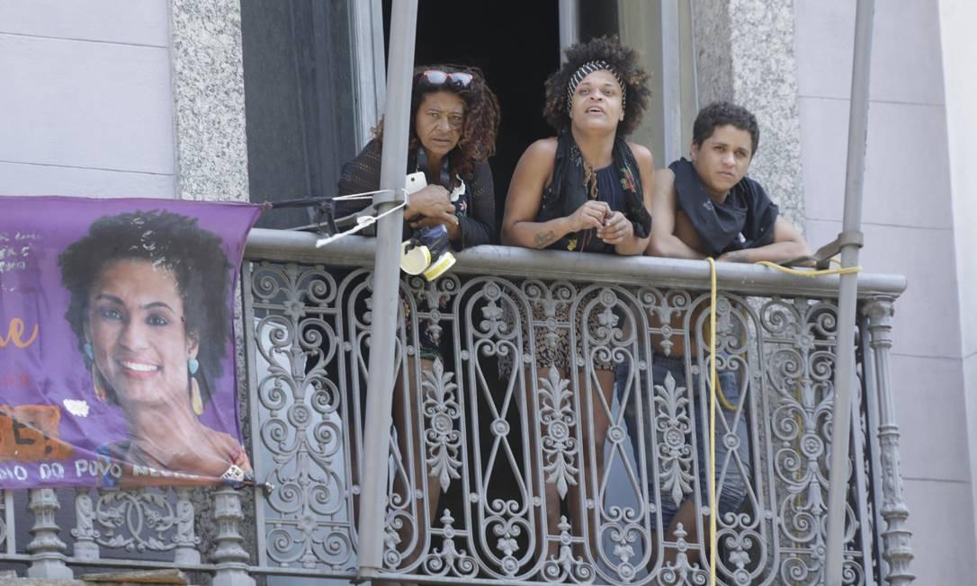 Grupo invadiu o antigo prédio do Automóvel Clube, no Passeio Público e montou a Ocupação Marielle Franco Foto: Gabriel Paiva / Gabriel Paiva