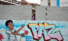 Muro da Escola Municipal Jornalista e Escritor Daniel Piza, onde a estudante Maria Eduarda morreu, é ampliado Foto: Pablo Jacob
