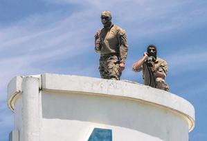 Integrantes do grupo de atiradores de elite da Polícia Federal na Barra, onde houve um evento em homenagem a Jair Bolsonaro Foto: Brenno Carvalho
