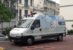 Ambulância do Cegonha Carioca: falta de repasses pode prejudicar transporte de pacientes Foto: Agência O Globo / Hellen Guimarães