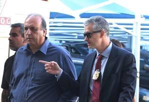 O governador Luiz Fernando Pezão ao ser preso na semana passada Foto: fabiano rocha / Agência O Globo