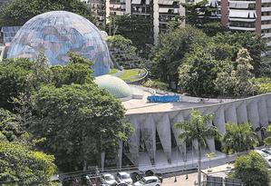 À venda. O terreno onde funciona o Planetário, na Gávea: lance mínimo de leilão por espaço é de R$ 31 milhões Foto: Ana Branco