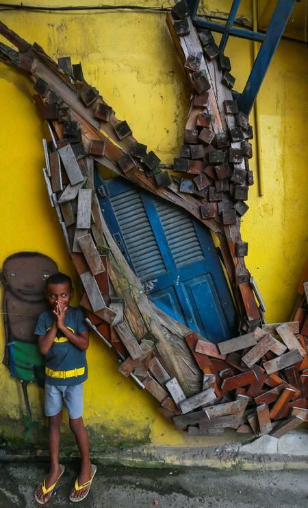 Crianças se divertem com estética Foto: Marcelo Regua / Agência O Globo