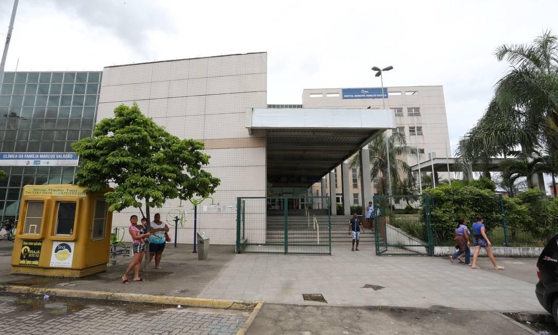 Com atendimento deficitário, pouca gente procurou a unidade em Acari neste sábado Foto: Guilherme Pinto / Agência O Globo