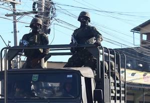 Operação Militar no Salgueiro e Jardim Catarina em São Gonçalo Foto: Fabiano Rocha / Agência O Globo
