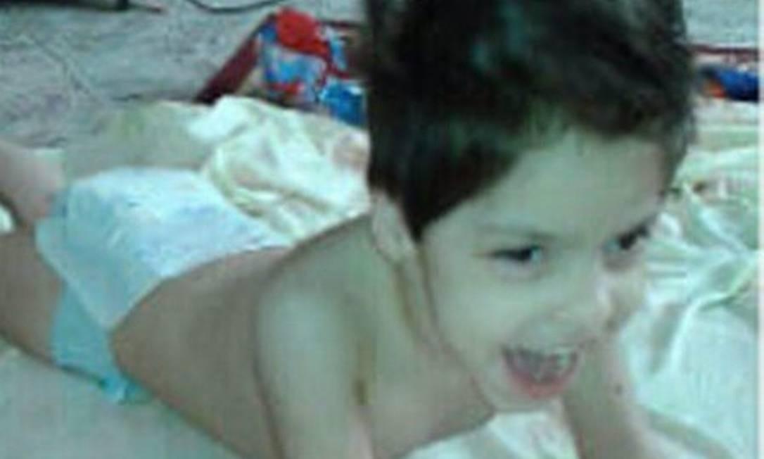 A avó de Júlia postou uma foto em seu perfil, lamentando a morte da menina Foto: Facebook/Reprodução