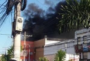 Incêndio no supermercado Campeão, no Jacaré, deixa duas vítimas Foto: Reprodução/Redes Sociais