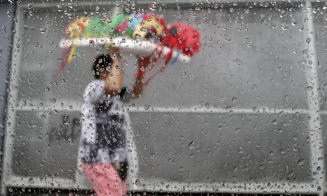Previsão é de chuva forte na cidade Foto: Domingos Peixoto / Agência O Globo