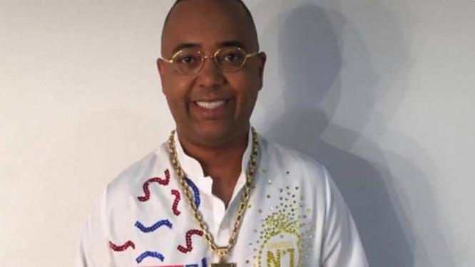O cantor Dudu Nobre, uma das principais atrações do camarote Nº1 Foto: O Globo