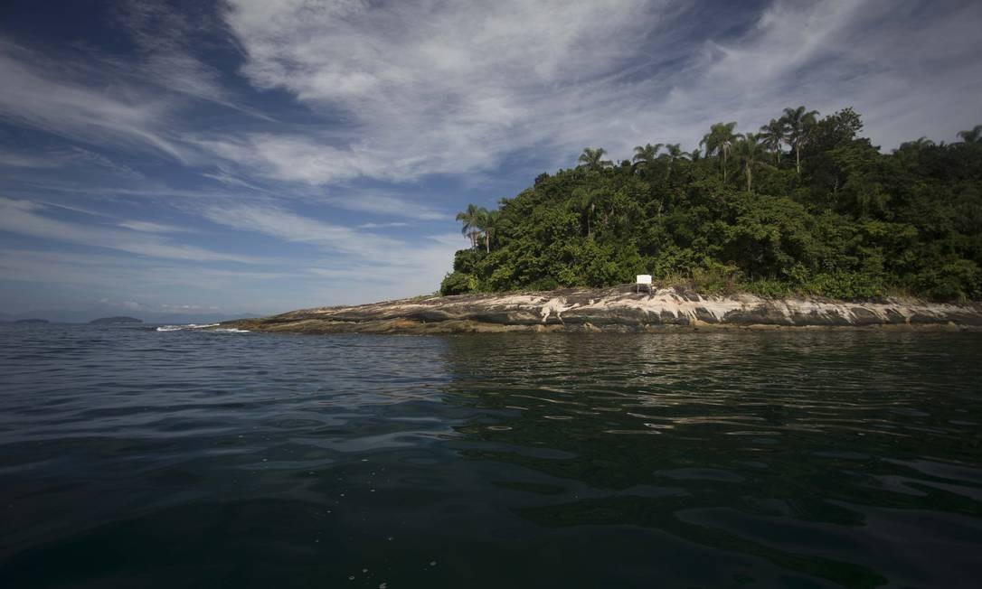 Na foto, a Ilha da Samambaia, local onde o presidente Jair Bolsonaro foi multado por pesca ilegal. Foto: Márcia Foletto / Agência O Globo