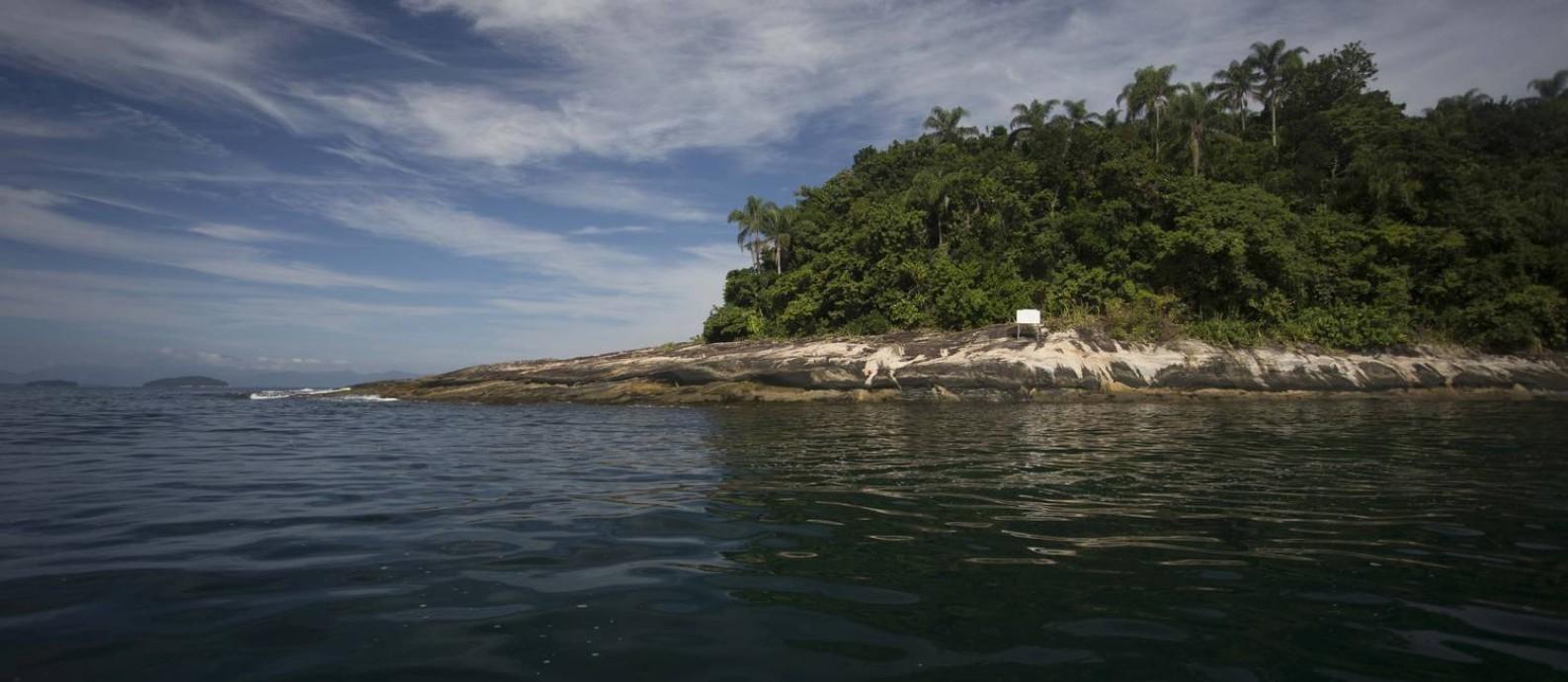 Na foto, a Ilha da Samambaia, local onde o presidente Jair Bolsonaro foi multado por pesca ilegal Foto: Márcia Foletto / Agência O Globo