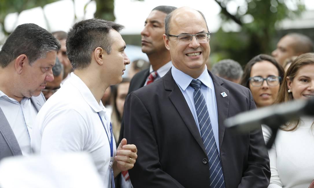 Secretário de educação Pedro Fernandes e governador Witzel em inauguração da Ecos Foto: Roberto Moreyra / Agência O Globo