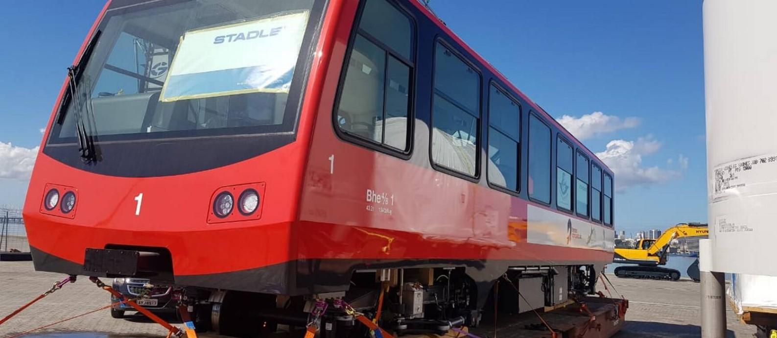 Novo trem elétrico do Corcovado aportou hoje no Rio de Janeiro Foto: Divulgação