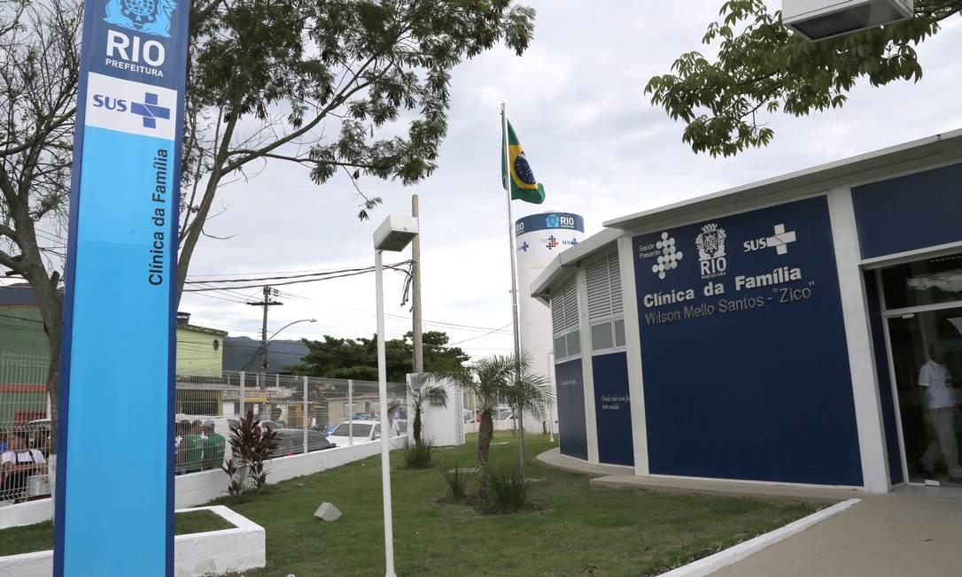 Clínica da Família da Vila Kennedy é um dos postos de atendimento que sofrem com a falta de médicos Foto: Ricardo Cassiano/10-12-2015 / Agência O Globo