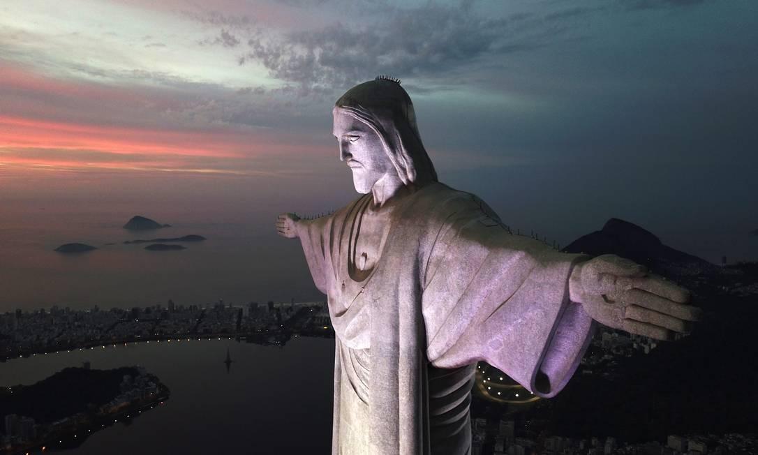 Cristo Redentor mudará de cor nesta terça-feira Foto: Arquivo / 16/01/2019 / Custódio Coimbra / Agência O Globo