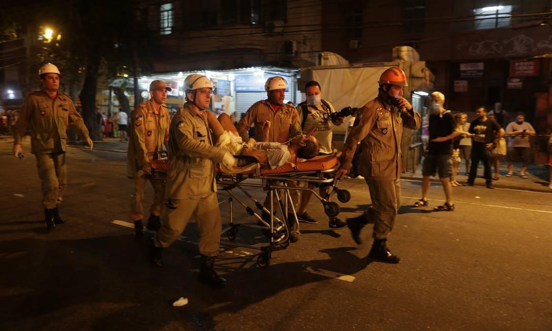 Rio de Janeiro (RJ) 12/09/2019 Incêndio atinge Hospital Badim na Tijuca, e pacientes são retirados nas macas Foto: Alexandre Cassiano / Agência O Globo