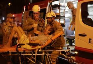 Incêndio atinge Hospital Badim na Tijuca e pacientes são retirados nas macas Foto: Alexandre Cassiano