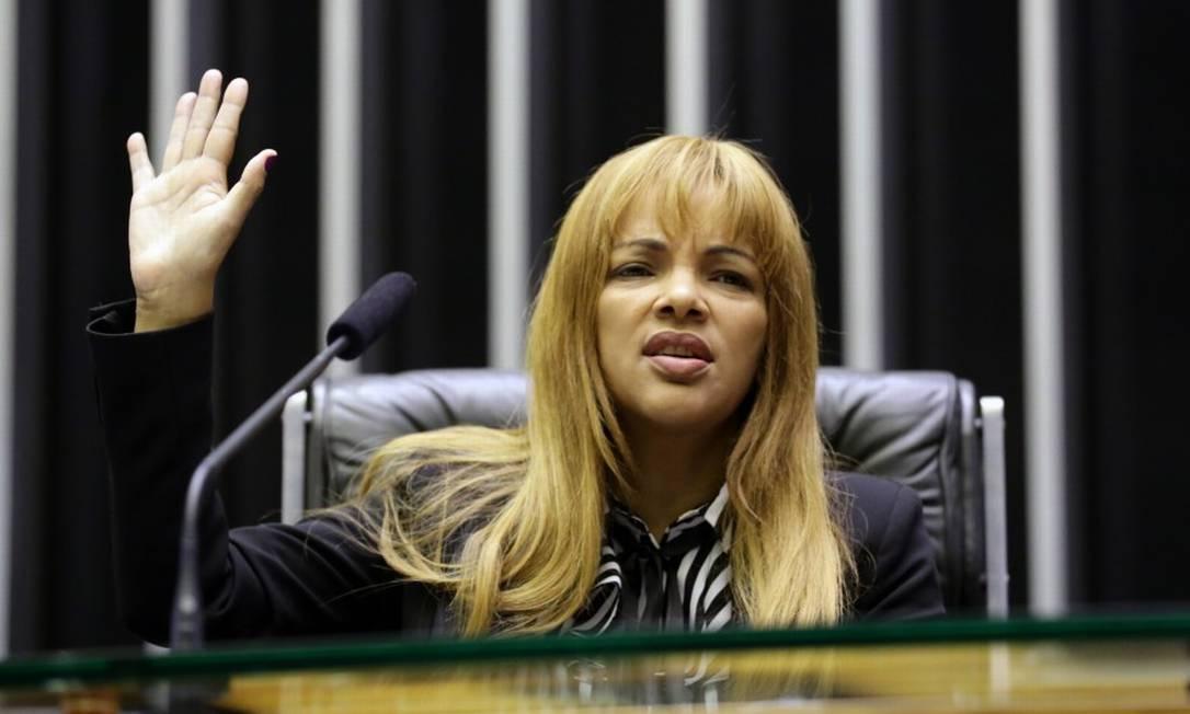 Deputada Flordelis faz discurso na Câmara Foto: Michel Jesus / Câmara dos Deputados